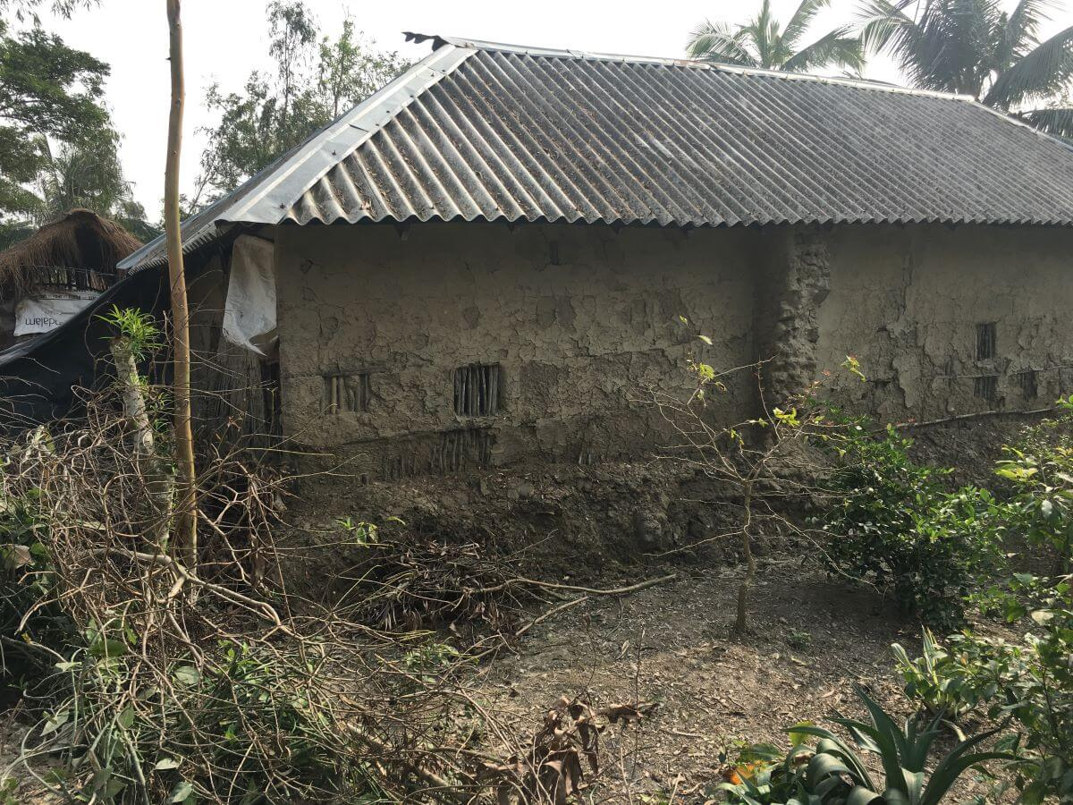 Mud homes effected by cyclone