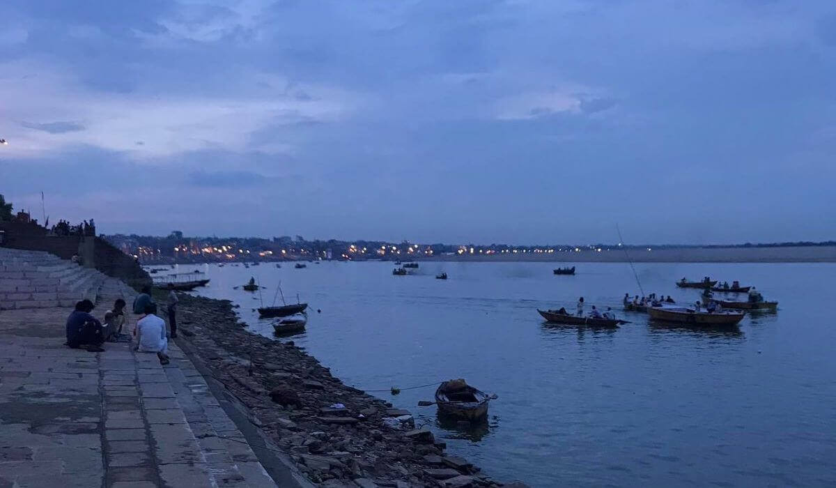 Fieldwork Nightfall at the Ganges in Varanasi, Uttar Pradesh - analysis with MAXQDA